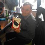 castigatorul marelui premiu: un Hands-free Speakerphone Parrot
